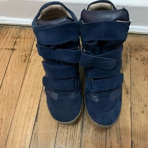 Sneaker wedges with box